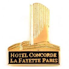 ピンズ・モンパルナスのホテルコンコルド金色ラファイエット建物