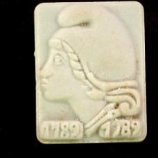 ピンバッジ・自由の女神マリアンヌ陶磁器製フランス共和国の象徴