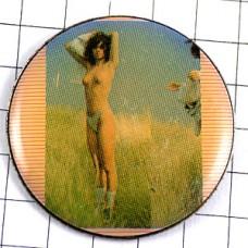 ピンズ・ヌード草原の女の子セクシー写真