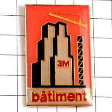 ピンバッジ・高層ビル建築中スリーエム3M