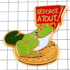 ピンバッジ・緑のカエル蛙ロータス蓮の葉コイン金貨の上