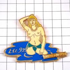 ピンズ・水浴びヌードの女の子
