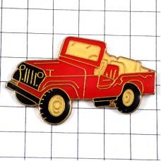 ピンズ・ピックアップトラック車ジープ赤オープンカー