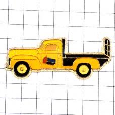 ピンズ・黄色いレッカー車
