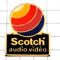 ピンズ・スコッチのビデオ虹色カラーの丸
