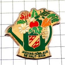 ピンズ・緑のジョウロと花や野菜ガーデニング紋章