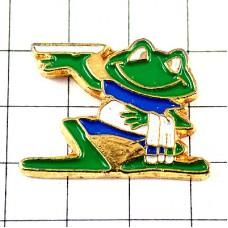 ピンバッジ・カエル緑色の蛙レストランの給仕