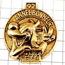 ピンバッジ・ピフ犬のピース漫画ゴールド金色