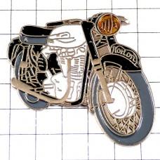 ピンズ・ノートン二輪バイク白黒