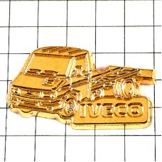 ピンバッジ・トラック車イヴェコ社ゴールド金色