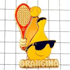 ピンバッジ・テニスするオランジーナ瓶サングラス眼鏡