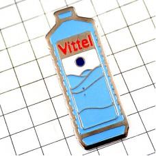 ピンズ・ヴィッテル水ペットボトル型
