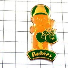 ピンバッジ・ボクシング赤ちゃんボクサー緑色のグローブ