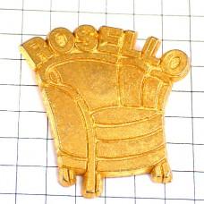 ピンバッジ・金色の一人がけソファ椅子ゴールド家具