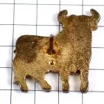 ピンズ・スペイン黒い牛の影オズポーンの雄牛