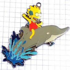 ピンバッジ・イルカに乗るシンプソンズ一家のリサ長女アニメ/USAアメリカ米国