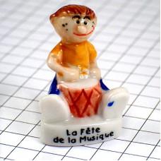 フェブ・音楽の祭日フランスのお祭りパーカッション太鼓