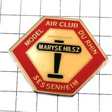 ピンズ・マリーズイルズ飛行機フランス女性パイロット高度記録