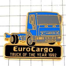 ピンバッジ・イヴェコ青いトラック車