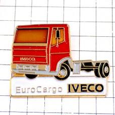 ピンバッジ・赤いトラック車イヴェコ社イタリア