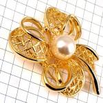 ブローチ・金色のリボン真珠パール一個ビンテージ