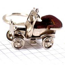 キーホルダー・アンティークカー車オールドカー銀色