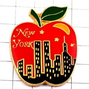 ピンバッジ・ニューヨーク高層ツインタワー三日月の夜アメリカ/USAビッグアップルNY
