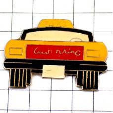 ピンズ・タクシー車イエローキャブ一台