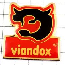 ピンバッジ・ヴィアンドックス牛のスープ会社