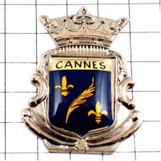 ピンズ・カンヌ椰子パルムドールと百合の紋章