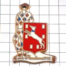 ピンズ・ピエロ道化師アルルカン劇コメディアデラルテ芝居しろい犬の紋章