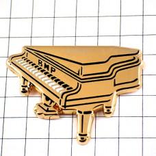 ピンズ・金色のグランドピアノ音楽ゴールド楽器