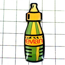 ピンバッジ・エビアン水ミネラルウォータープチボトル型ミニ容器
