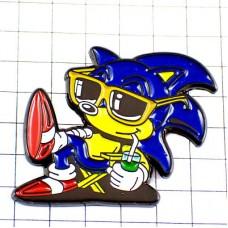 ピンバッジ・セガのソニックSEGAゲーム飲み物ジュースとサングラス眼鏡