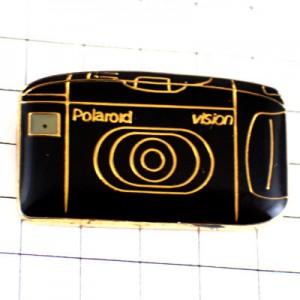 ピンバッジ・ポラロイド写真カメラ撮影機
