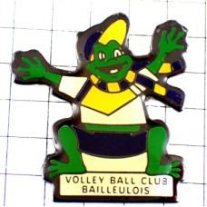 ピンバッジ・マフラーに野球帽ミドリガエル緑蛙バレーボールクラブのマスコット蛙