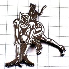 ピンバッジ・キャットウーマン映画『バットマン』背中の黒猫