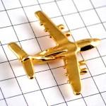 ピンズ・飛行機ミリタリー金色戦闘機ゴールド立体型