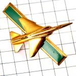ピンズ・戦闘機ミリタリー金色ゴールド立体型飛行機