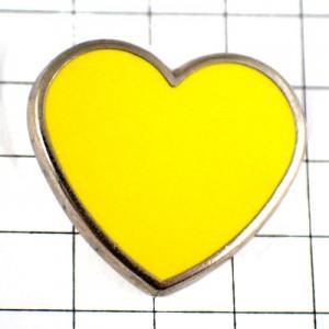 ピンバッジ・黄色いハート型