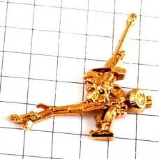 ピンバッジ・金色の兵器ミリタリー武器