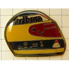 ピンズ・ミケーレアルボレートのヘルメットF1パイロット