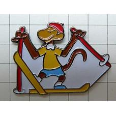 ピンバッジ・ぞうのババール猿ゼフィールのスキー