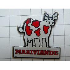 ピンバッジ・赤い模様の牛