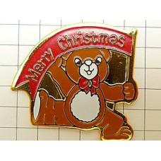 ピンバッジ・熊のぬいぐるみメリークリスマス