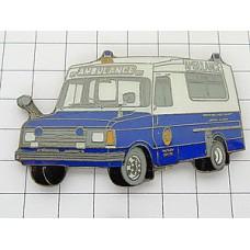 ピンバッジ・スイスの青い救急車
