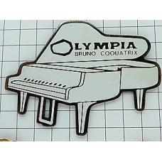 ピンズ・白いグランドピアノ楽器