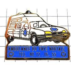 ピンバッジ・青いマークの救急車