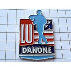 ピンバッジ・LUとダノン星条旗