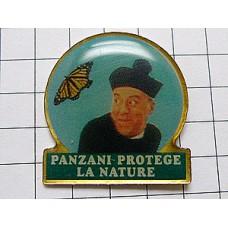ピンバッジ・神父さんと蝶々